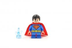 Superman (76068)