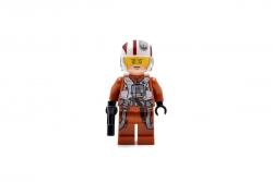 Resistance X-Wing Pilot (75102)